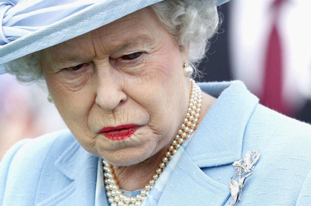 Queen Elizabeth II, ao receber o convite para a comemoração do aniversário da Magna Carta
