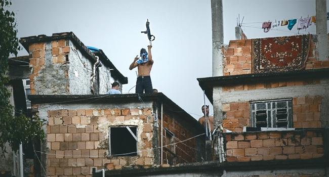 """""""Não venha falar de legalização aqui na minha comunidade"""" Foto: www.oestadoce.com.br"""
